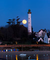The Full Moon and the Bénodet lighthouse