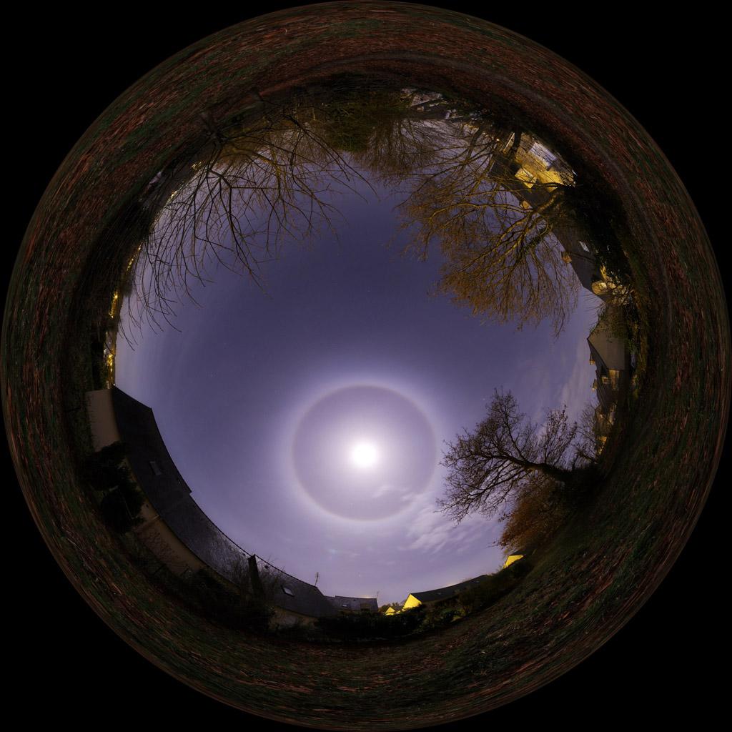 Círculo alrededor de la Luna